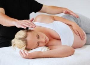 Когда необходима помощь остеопата при беременности?