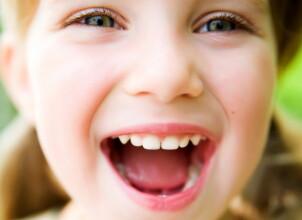 Из-за чего происходит нарушение прикуса у детей
