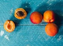 Можно ли абрикосы и абрикосовые косточки при беременности?
