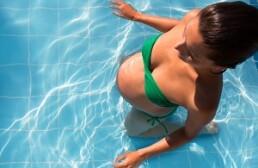 Бассейн при беременности, польза плавания и гимнастики в воде
