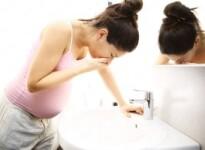 Вечерняя тошнота беременных: чем вызвана и как облегчить приступ?