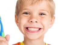 Отчего появляются на зубах белые пятна