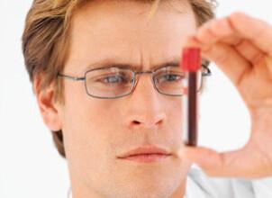 Снижать билирубин или лечить причину его повышения?
