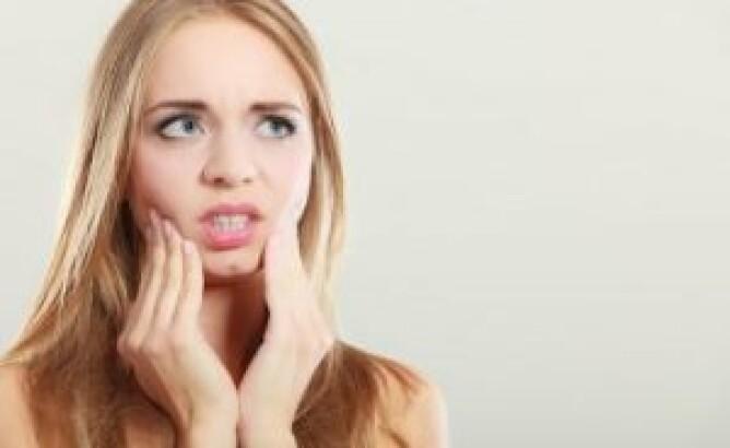 Причины воспаления и боли в деснах у беременных