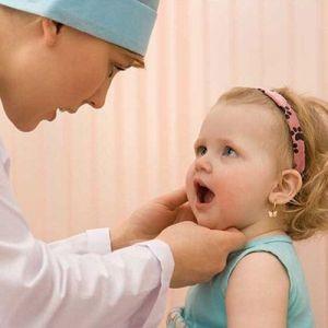 Лечение белых пятен на зубах у ребенка