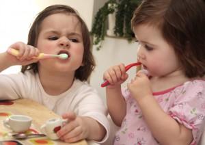Как приучить ребёнка чистить зубки