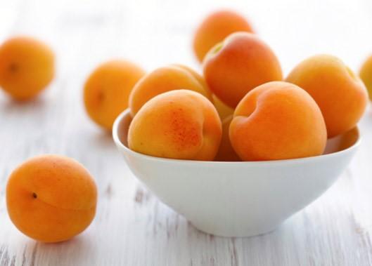 вред абрикос при беременности