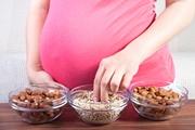 орехи беременным